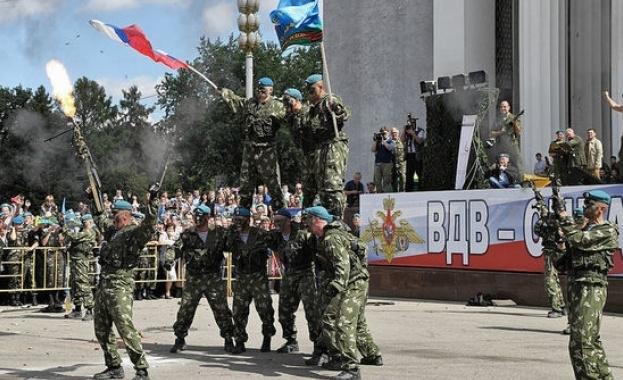 На 2 август Русия отбелязва Деня на Военно-въздушните сили. Паметен