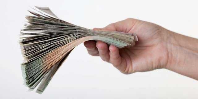 След 4 г. средната заплата в София ще стигне почти
