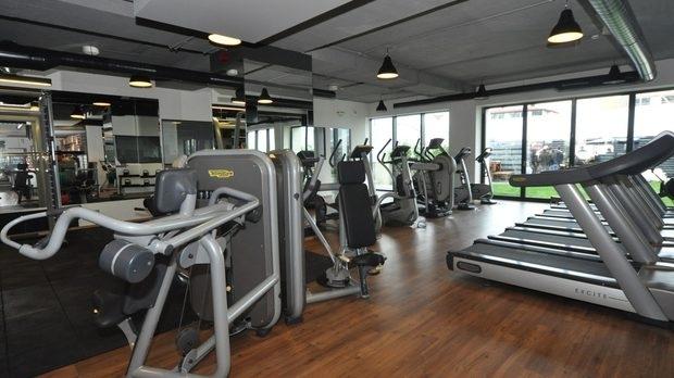 Фитнесите отвориха, но са празни и пред фалит