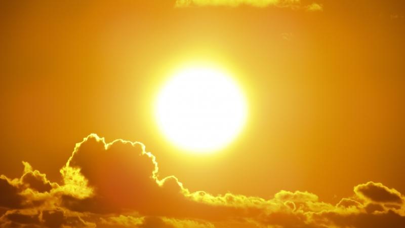 Максималните температури днес ще са между 32 и 37 градуса.