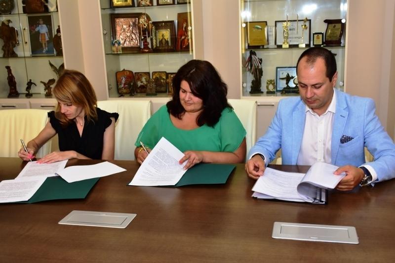 "Днес бе подписан договорът между ""Тролейбусен транспорт"" - Враца и"