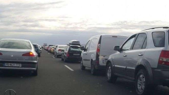 """Огромно 10-километрово задръстване се образува на магистрала """"Тракия"""" малко след"""