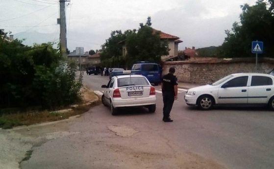 Полицаи са се натъкнали на цял боен арсенал при проверка