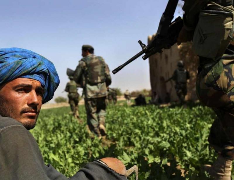 Най-малко трима членове на афганистанските сили за сигурност са убити,