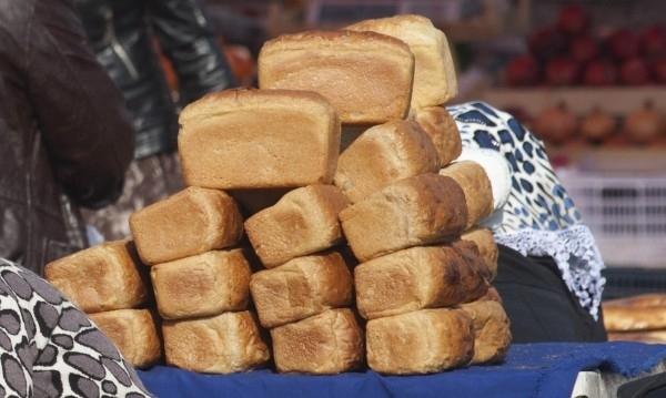 В Таджикистан от отравяне с хляб са починали 14 затворници.