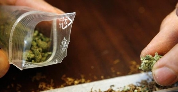 Откриха канабис в джоба на 16-годишен от Лом