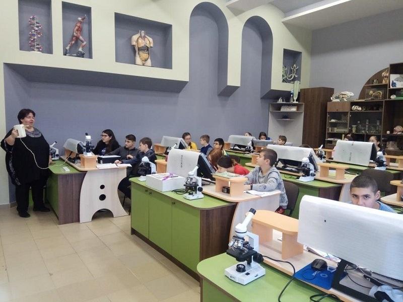 """Вчера в STEM лабораторията на Средно училище """"Христо Ботев"""" Гергана"""