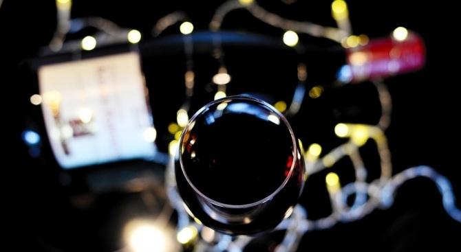 """Бутилка вино """"Романе-Конти"""" от 1945 г. беше продадена за рекордната"""