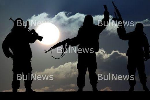 Удариха джихадистите по паритe - взривиха банката им