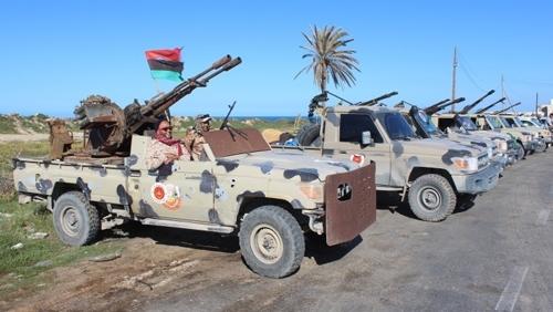 Около 30 000 души са избягали от Либия след началото