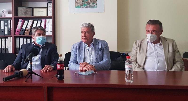 """Изпълнителният директор на МБАЛ """"Христо Ботев"""" във Враца д-р Петър"""