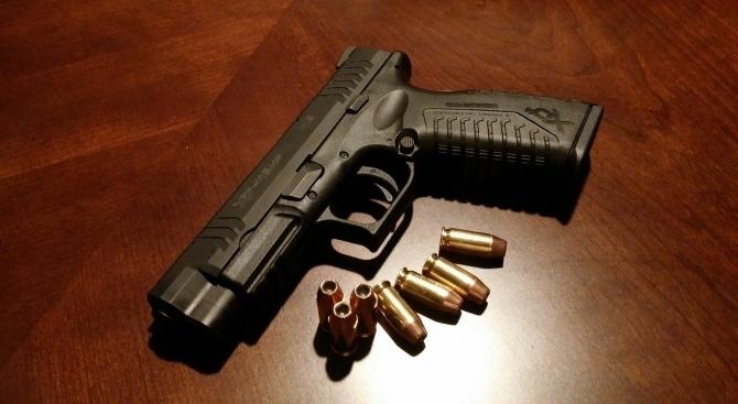 Ченгета намериха и иззеха пистолет и боеприпаси в монтанско село