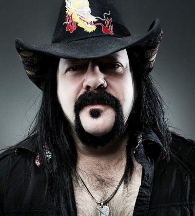 """Почина барабанистът на метал групата """"Пантера"""" Винсънт Пол Абът, по-известен"""