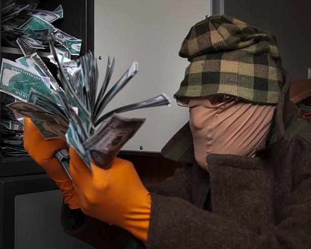 Крадец задигна крупна сума от апартамент в Хасково, информираха от