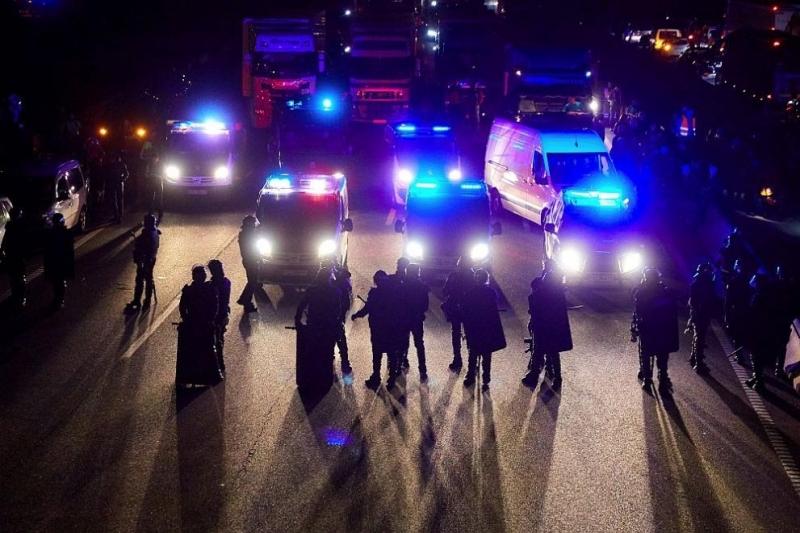 Правоохранителните органи на Каталуния са задържали около 40 души в