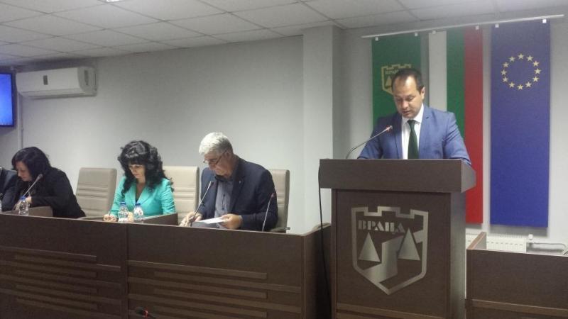 Скандал се развихри на днешното заседание на общинския съвет във
