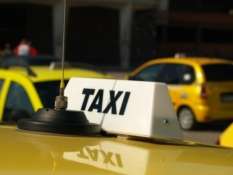 Част от таксиметровите автомобили във Враца са нередовни, а някои