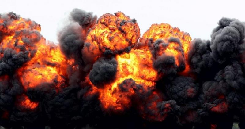 Снимка: Две експлозии и пожар в завод за бои и лакове в Сърбия