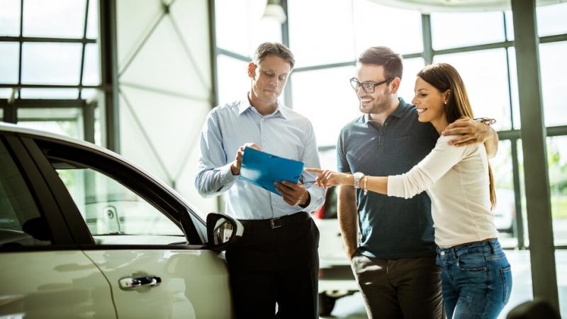 Все повече българи купуват нови коли