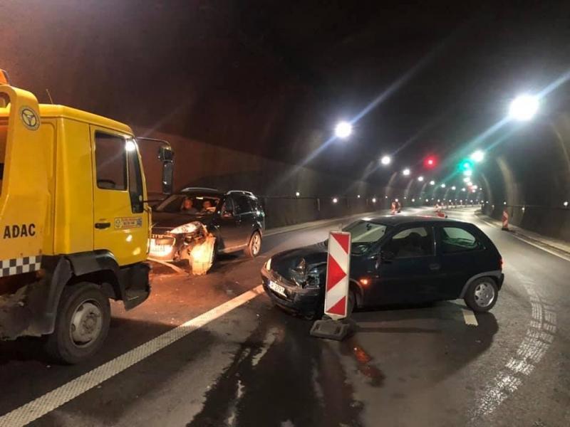 """Тежка катастрофа затвори тунел """"Витиня"""" на автомагистрала """"Хемус"""". Произшествието е"""