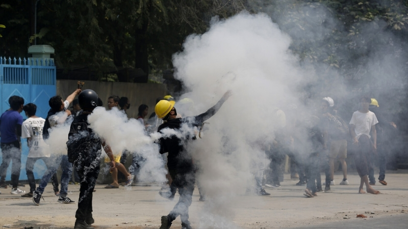 Протести и безредици избухнаха край американския град Минеаполис, след като