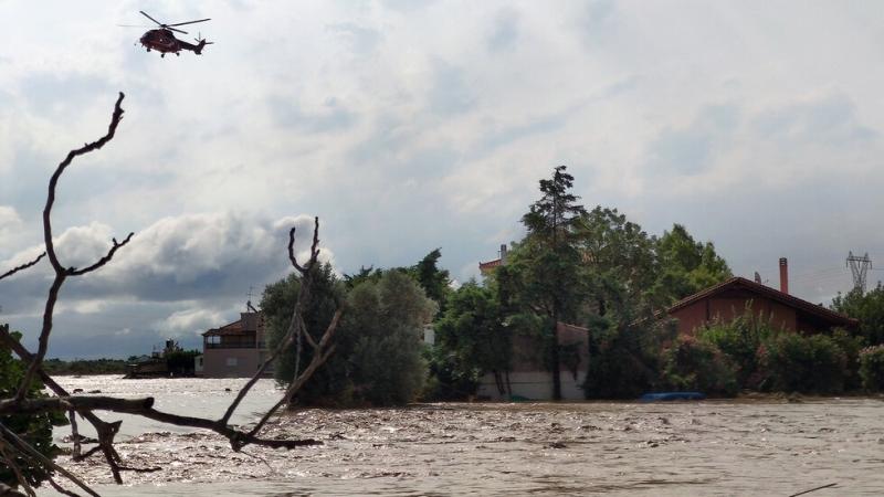 Няколко загинали след бури на гръцкия остров Евбея /снимки/