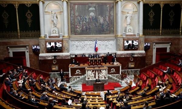 Франция прие правилник за облеклото и поведението на депутатите след