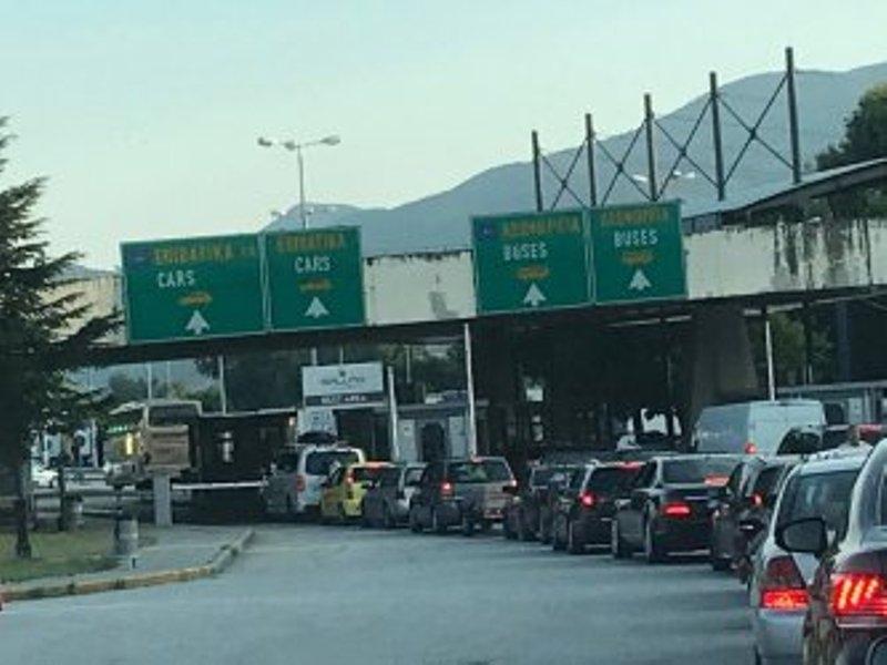 """Трафикът на изход от България на ГКПП """"Кулата"""" е спокоен"""