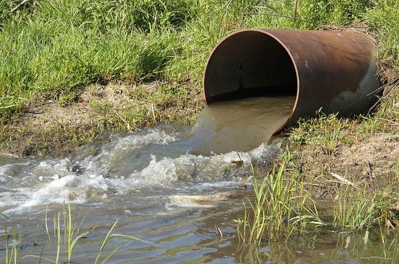 Наглост без граници! Семейство от Мездренско наводни дере с отпадни води