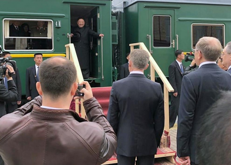 Бронираният влак на севернокорейския държавен ръководител Ким Чен-ун пристигна на