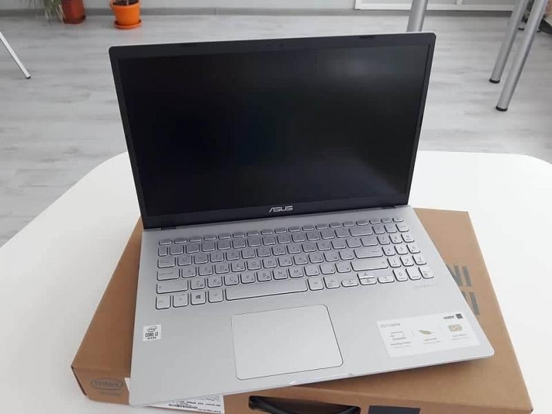 Българите, родени в Северозапада, подариха по един лаптоп на регионалните
