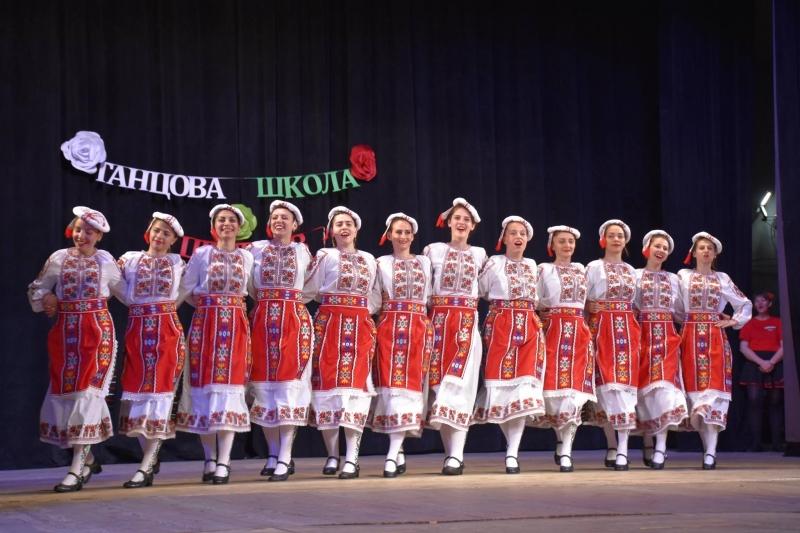 """С вълнуващ концерт Танцова школа """"Цветков"""" отбеляза първата година от"""