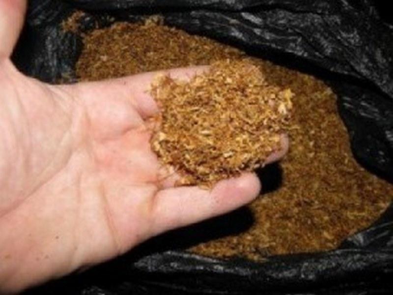 Служители на реда са конфискували голямо количество незаконен тютюн във