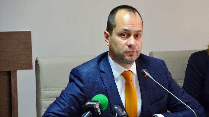 Кметът на Враца Калин Каменов се готви да затвори всички
