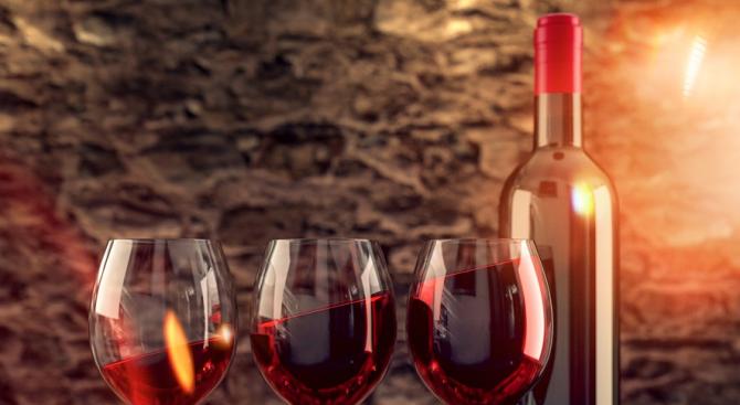Наздраве! Ефектът от чаша червено вино е същият като от тренировка