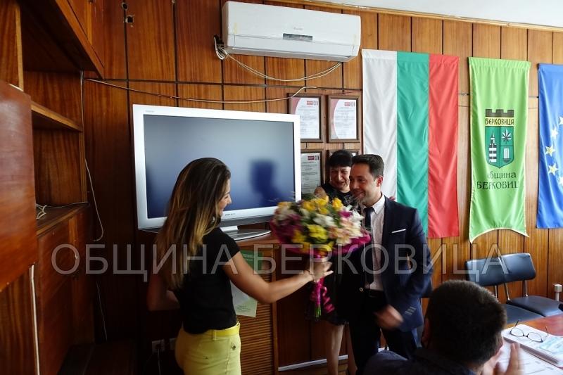 Наградиха с 2 000 лв. биатлонистка, прославила Берковица зад граница
