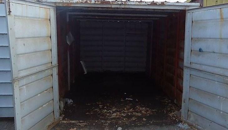 Полицаи са хванали двама крадци, опразнили гараж в Козлодуй, съобщиха