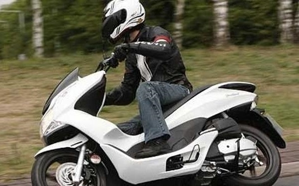 Полицаи са хванали неправоспособен с нередовен скутер във врачанското село
