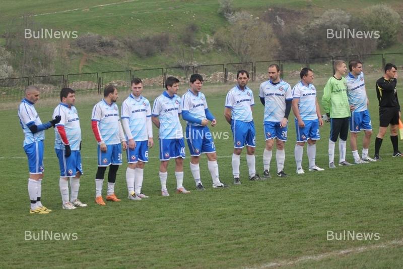 """""""Пъстрина 2012"""" вкара 7 гола на """"Златия"""""""