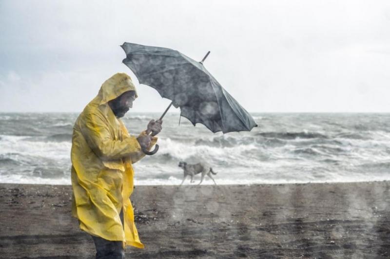 През следващото денонощие ще преобладава облачно време, с временни разкъсвания