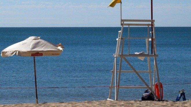 Спасена от удавяне се жалва в полицията, че насила е извадена от морето
