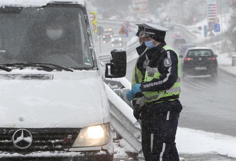 Полицаи следиха за нарушители на карантината в Бяла Слатина