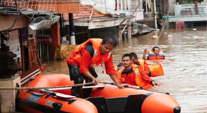 Броят на загиналите при наводненията и свлачищата, предизвикани от проливни