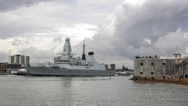Нов британски военен кораб беше разположен в района на Персийския
