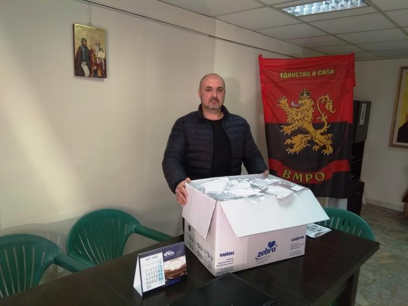 За пример! Народният представител Красимир Богданов дарява маски на нуждаещите се във Врачанско
