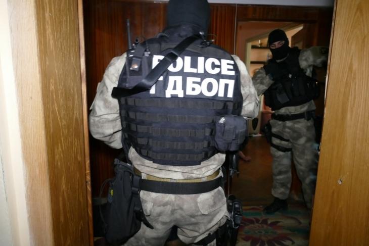 Перничанин е арестуван за купуване на гласове, съобщава zaPernik.com.Според първоначална