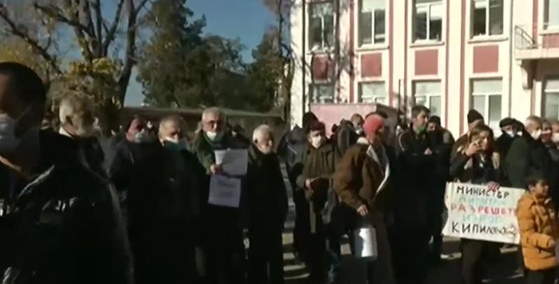 Омуртаг се вдигна на протест заради безводието