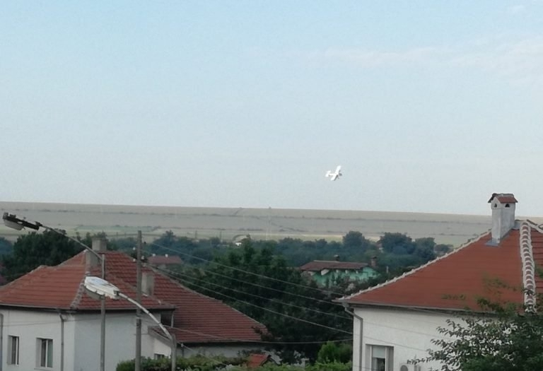 Поредното въздушно третиране против комари бе извършено днес в Козлодуй.