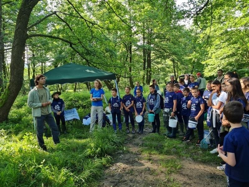 Малчугани се включиха в еднодневно зелено училище и почистиха река