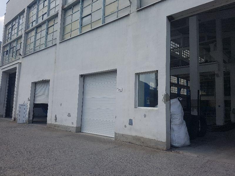 Частен съдебен изпълнител обяви на търг огромна промишлена сграда във